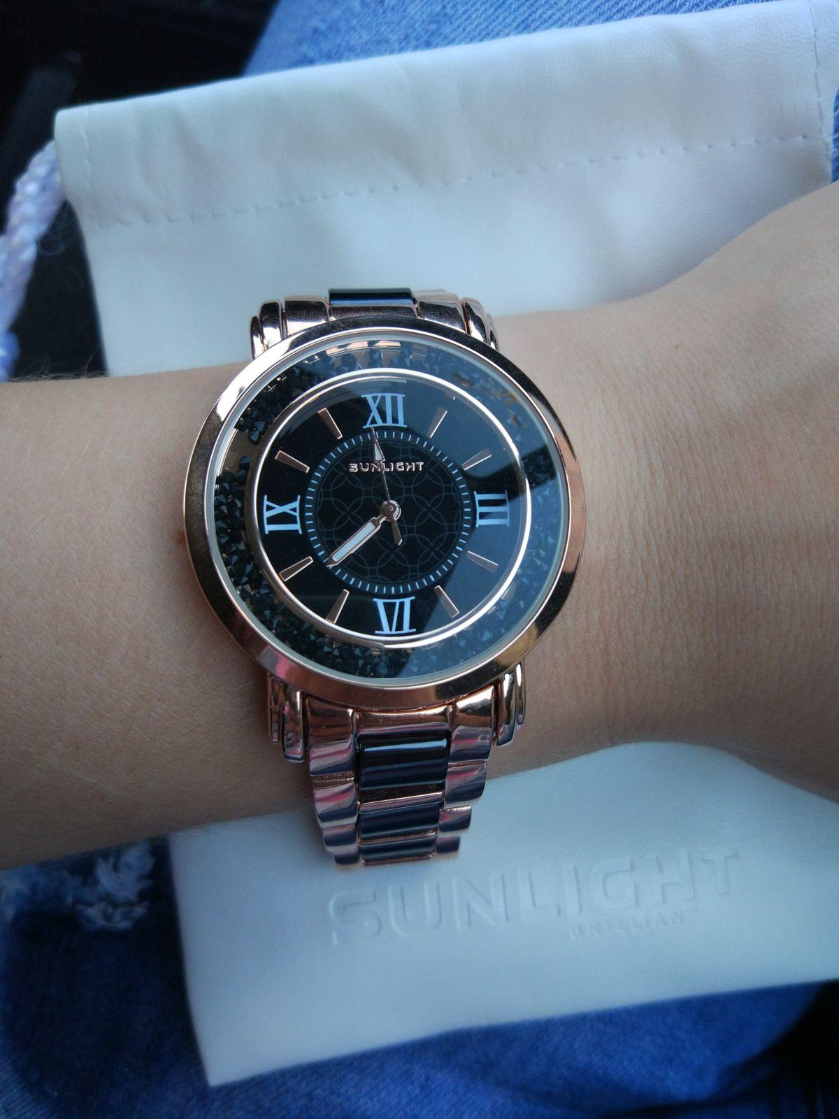 Замечательные шикарные часы! Подарила себе любимой. Очень довольна покупкой