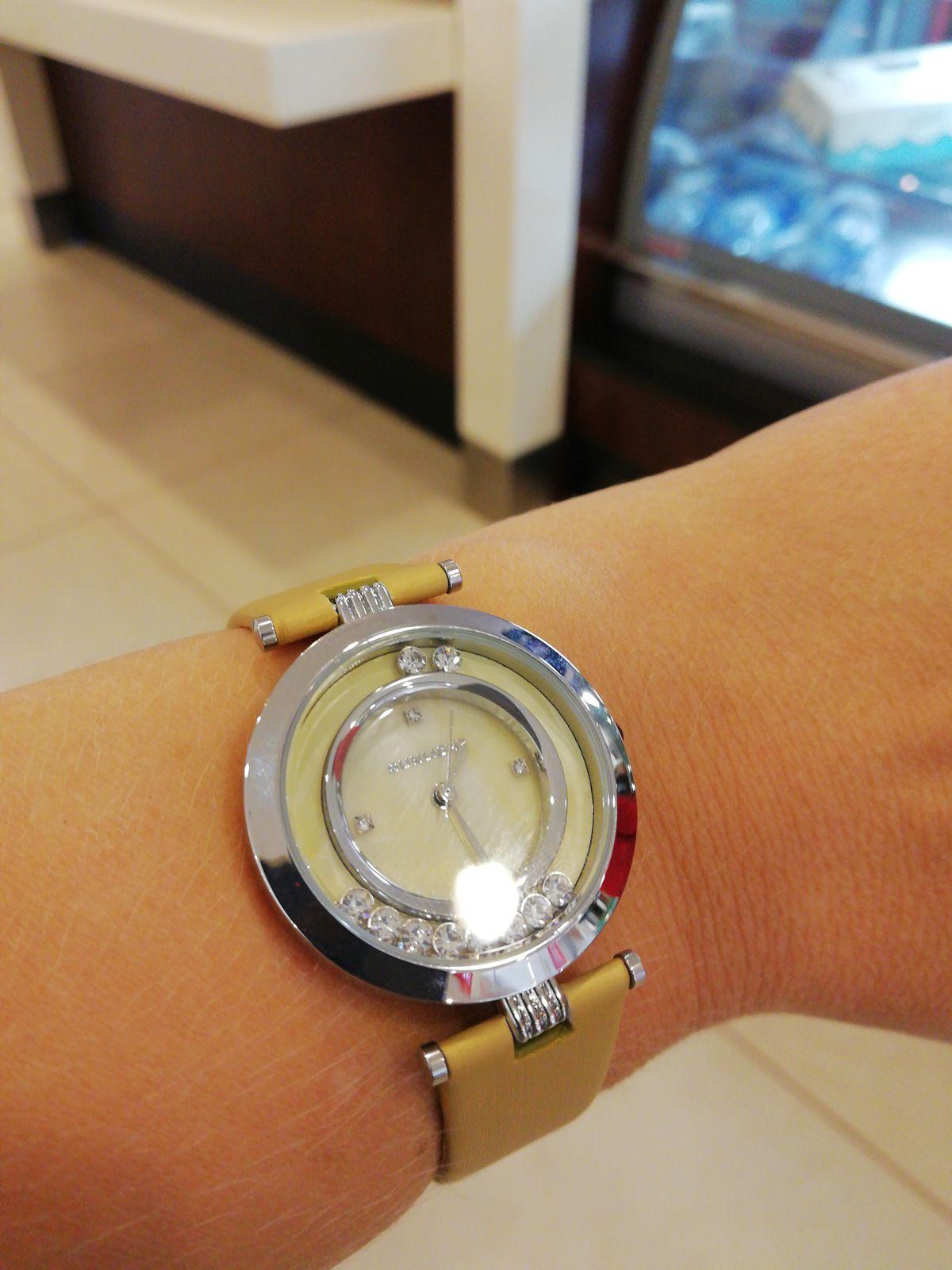 Покупка часов была весьма комфортной. Девушки продавцы очень внимательны