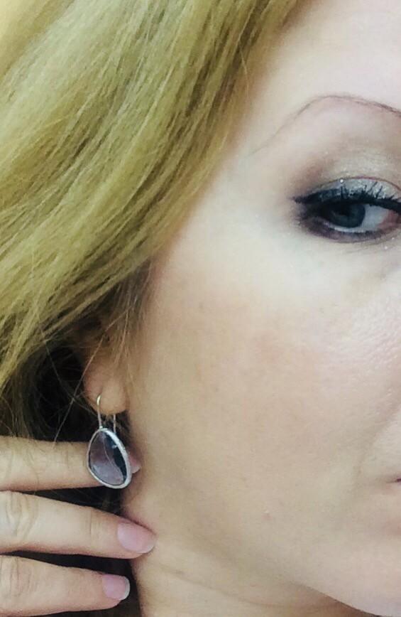 Серебряные серьги с серым алпанитом