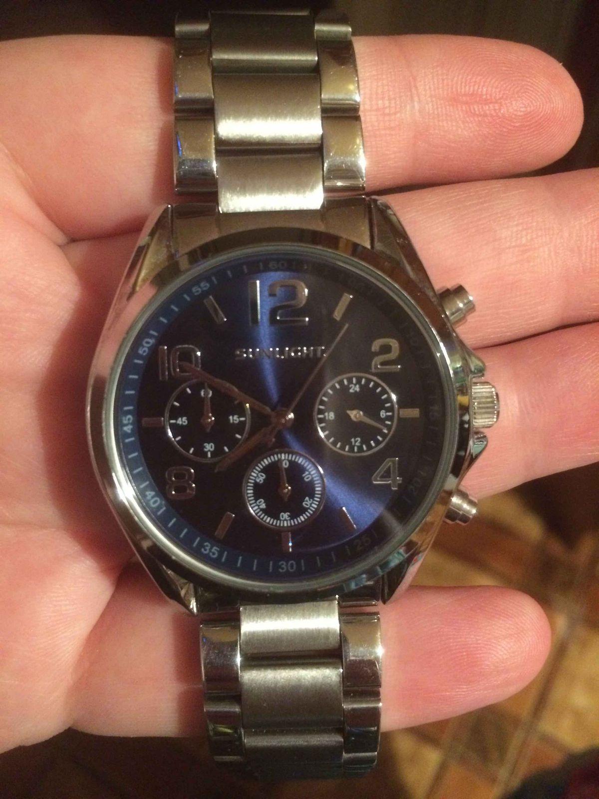 Отличные, стильные часы!