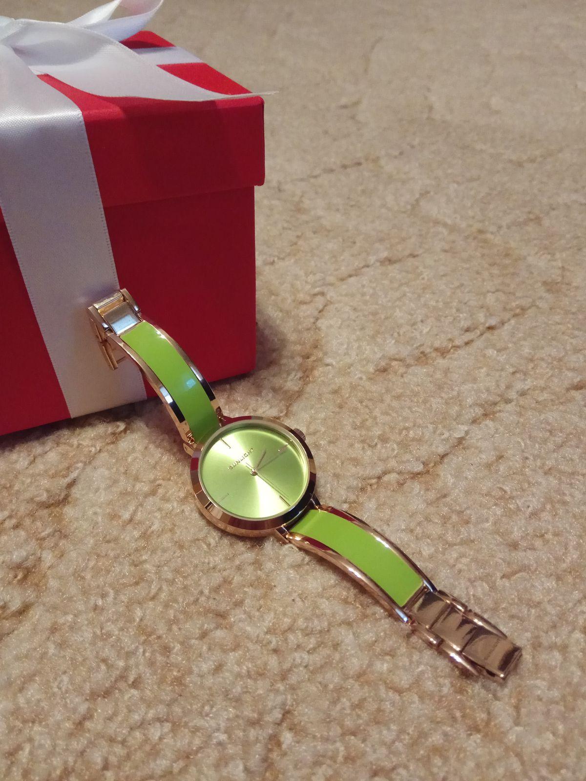 Стильные и яркие часы, подчёркивают индивидуальность
