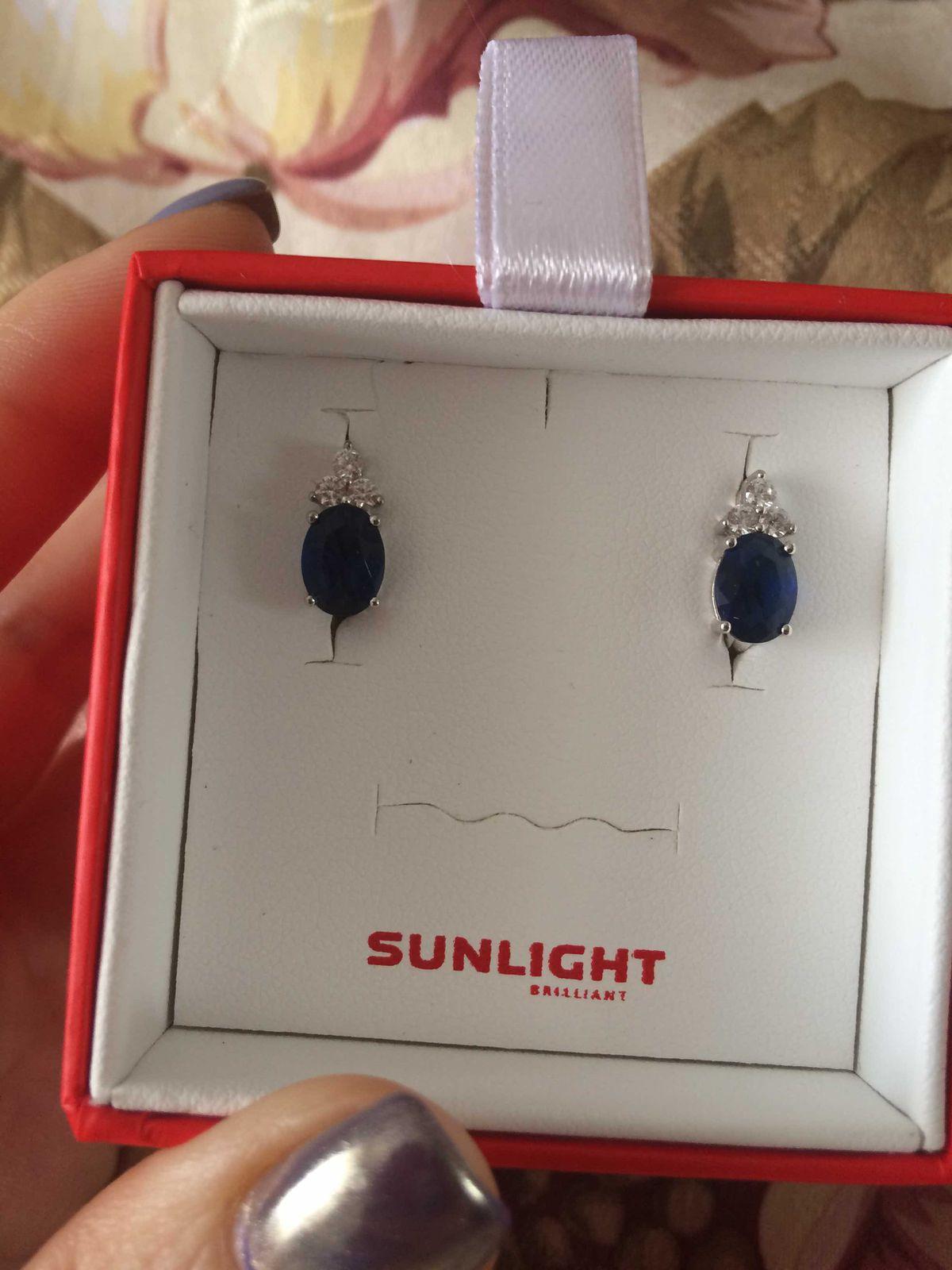 Думала куплю на подарок и не смогла растаться)