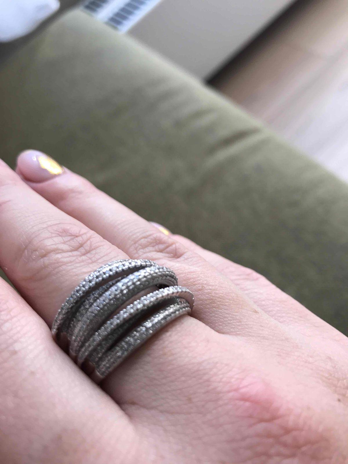 Серебряное кольцо с фианитами 😍