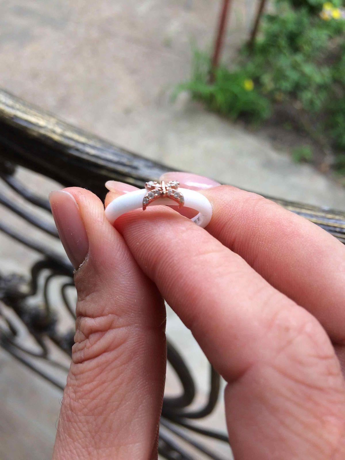 Кольцо на лето, когда его увидела сразу влюбилась! купила и очень довольна!