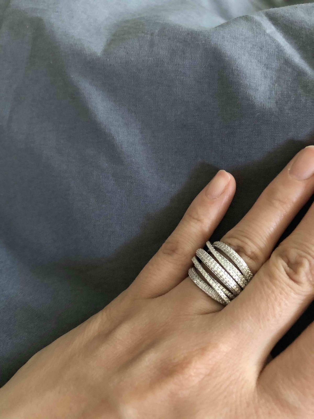 Серебряное кольцо с фианитами )))о котором давно мечтала и вот оно у меня )