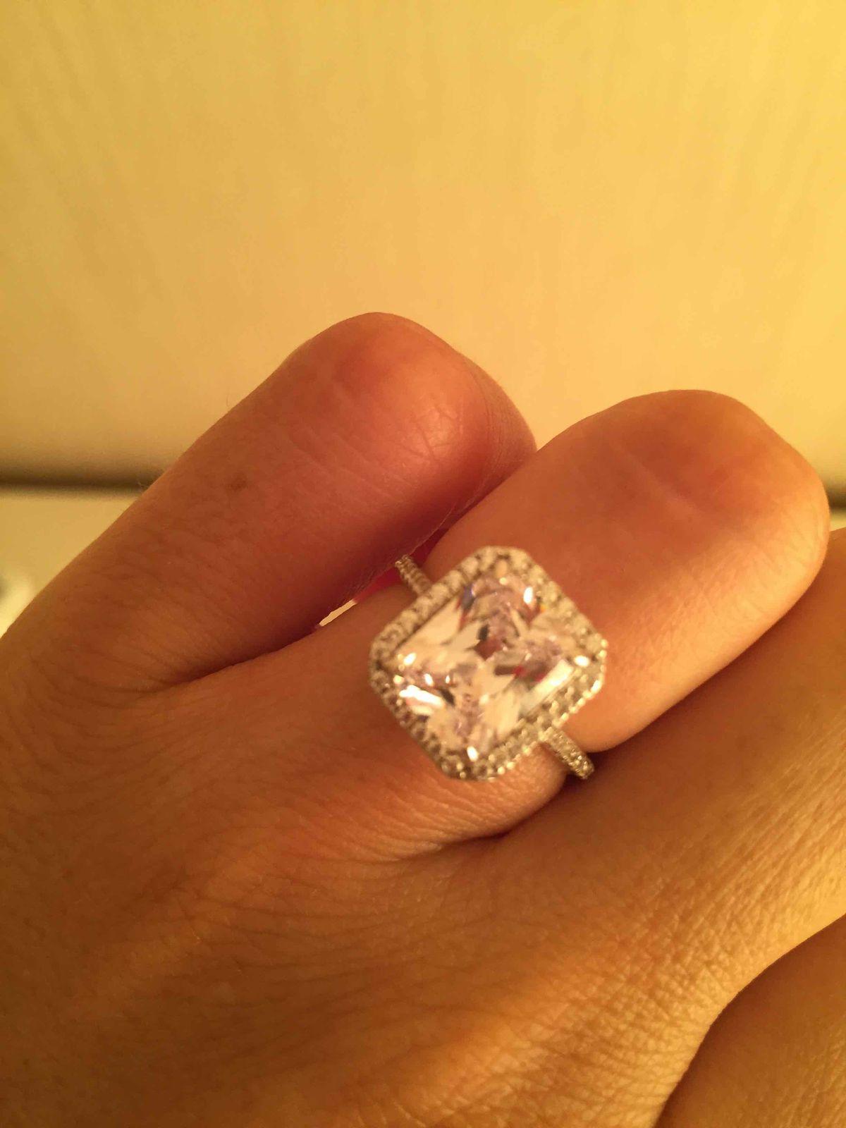 Кольцо очень стильное и яркое