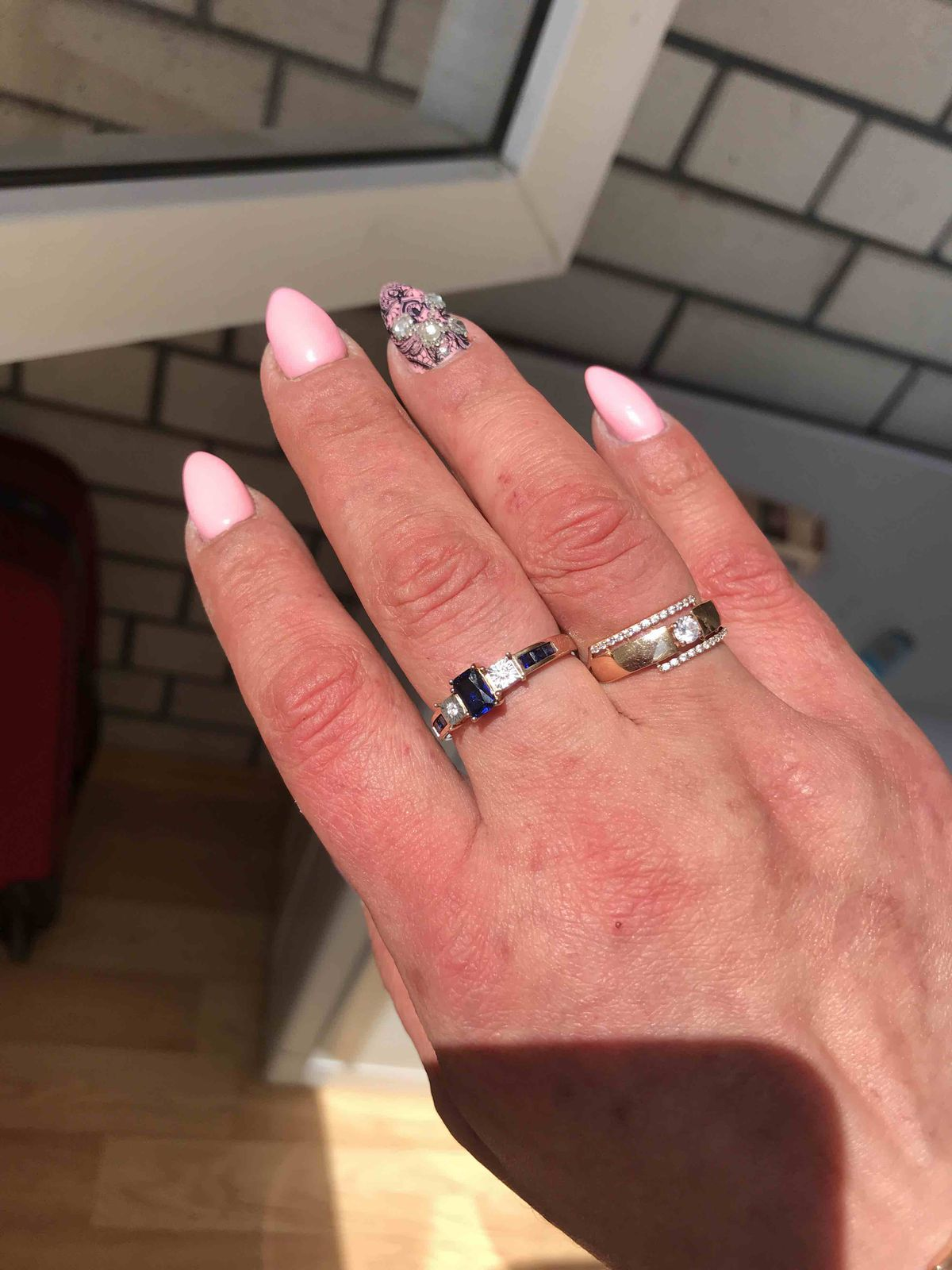 Шикарное кольцо с бриллиантами и сапфирами