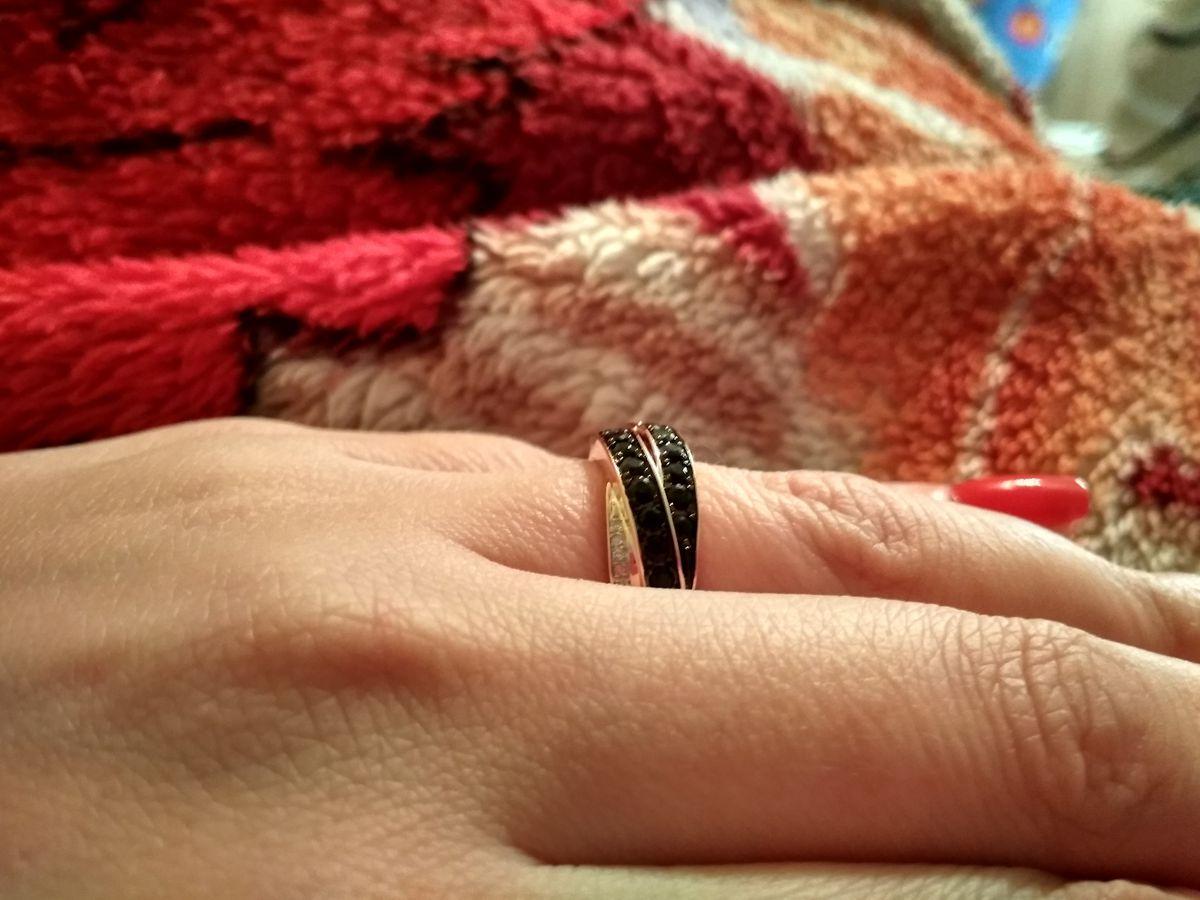 Хорошее колечко мне понравился подарок мужа на день рождения, спасибо,!!!!!