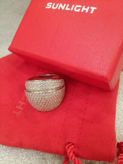 Стильное серебряное кольцо ! С фианитами!!!