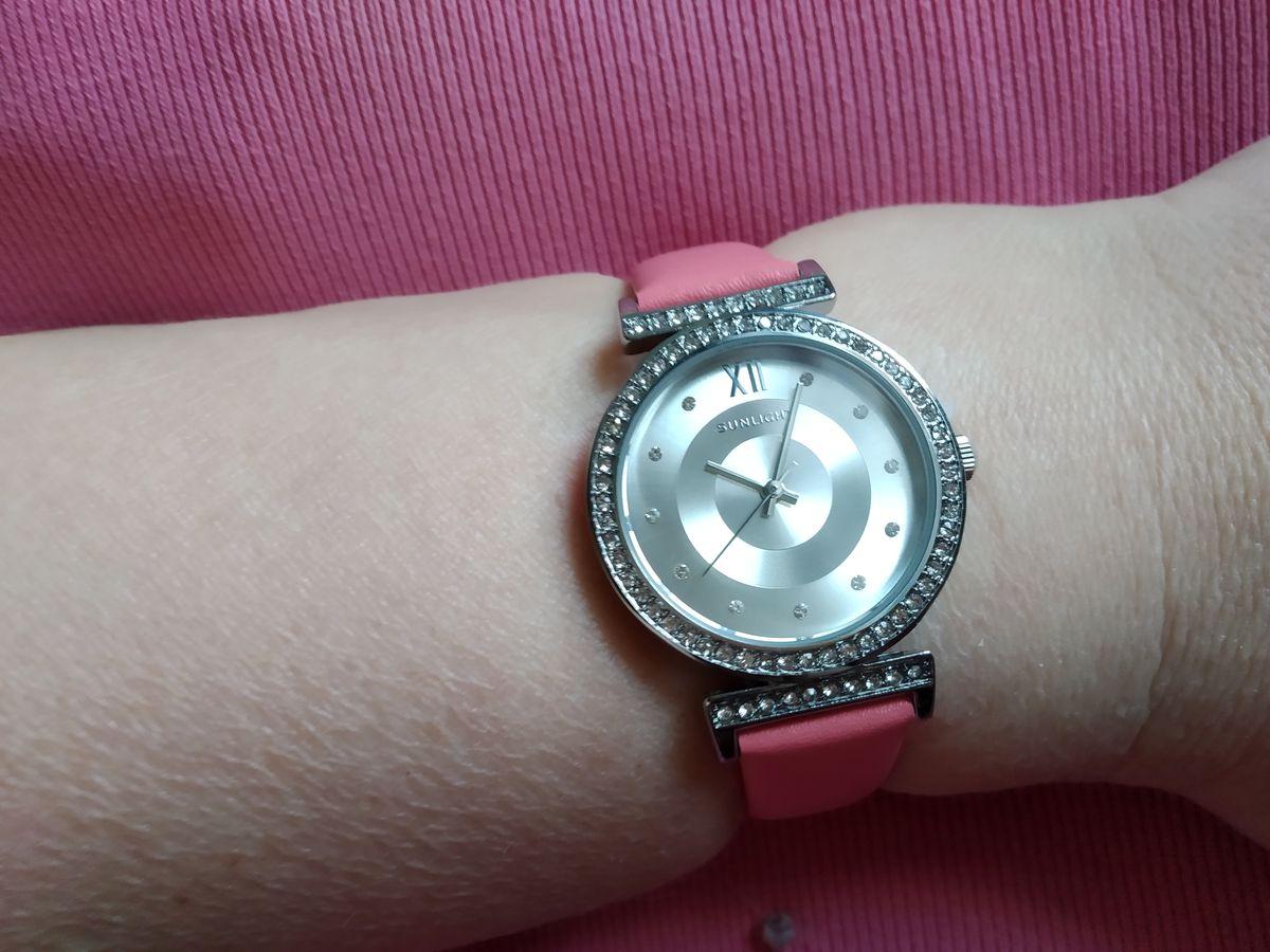 Стильные женские часы!