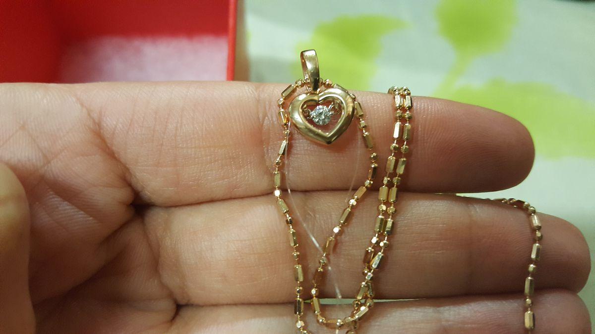 Золотое сердечко с бриллиантом