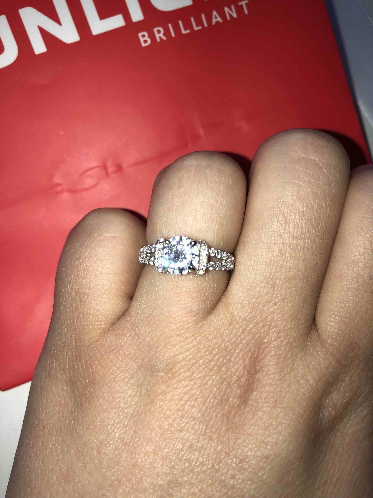 Изумительно красивое кольцо с камнями из серебра для себя красивой Илюбимой