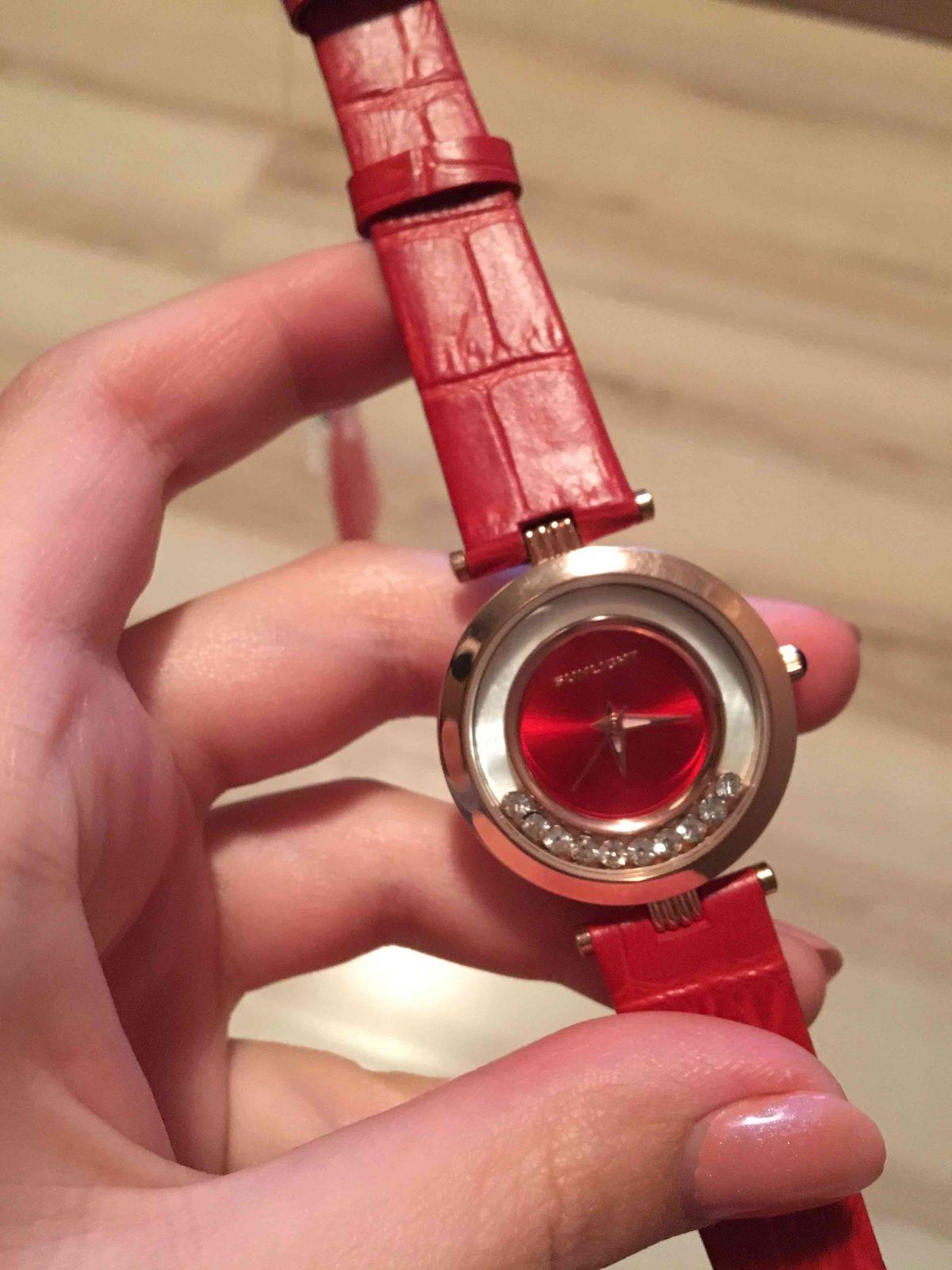 Часы классные-красные😍😍😍