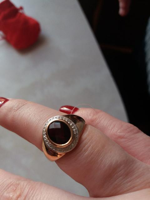 Отлично кольцо сгранатом очень красивое