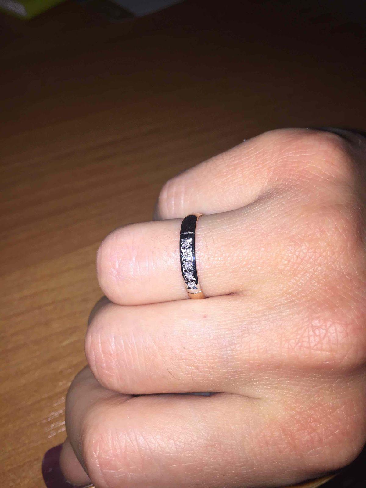 Изящное женственное кольцо