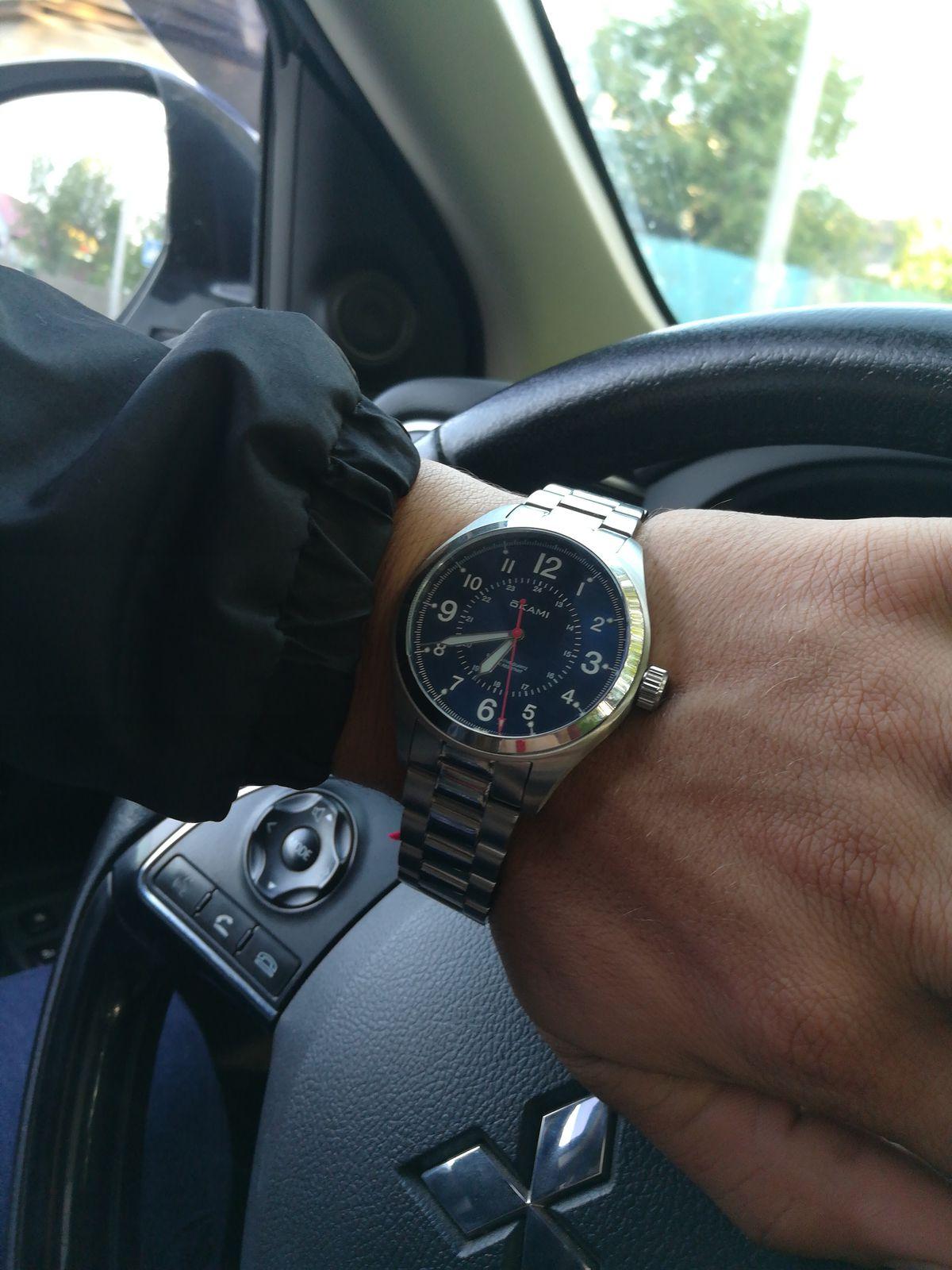 Часы Qkami