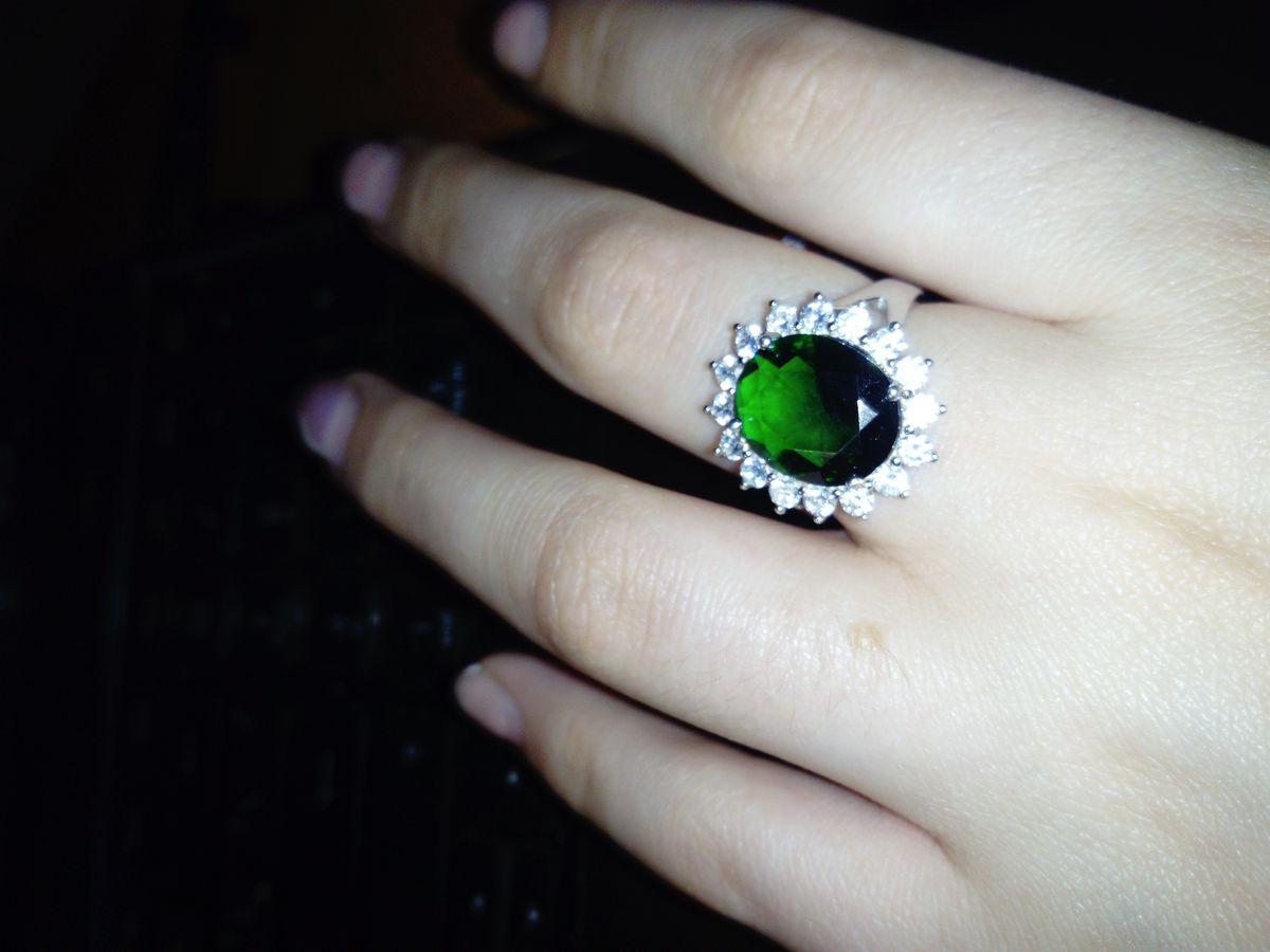 Очень роскошное кольцо