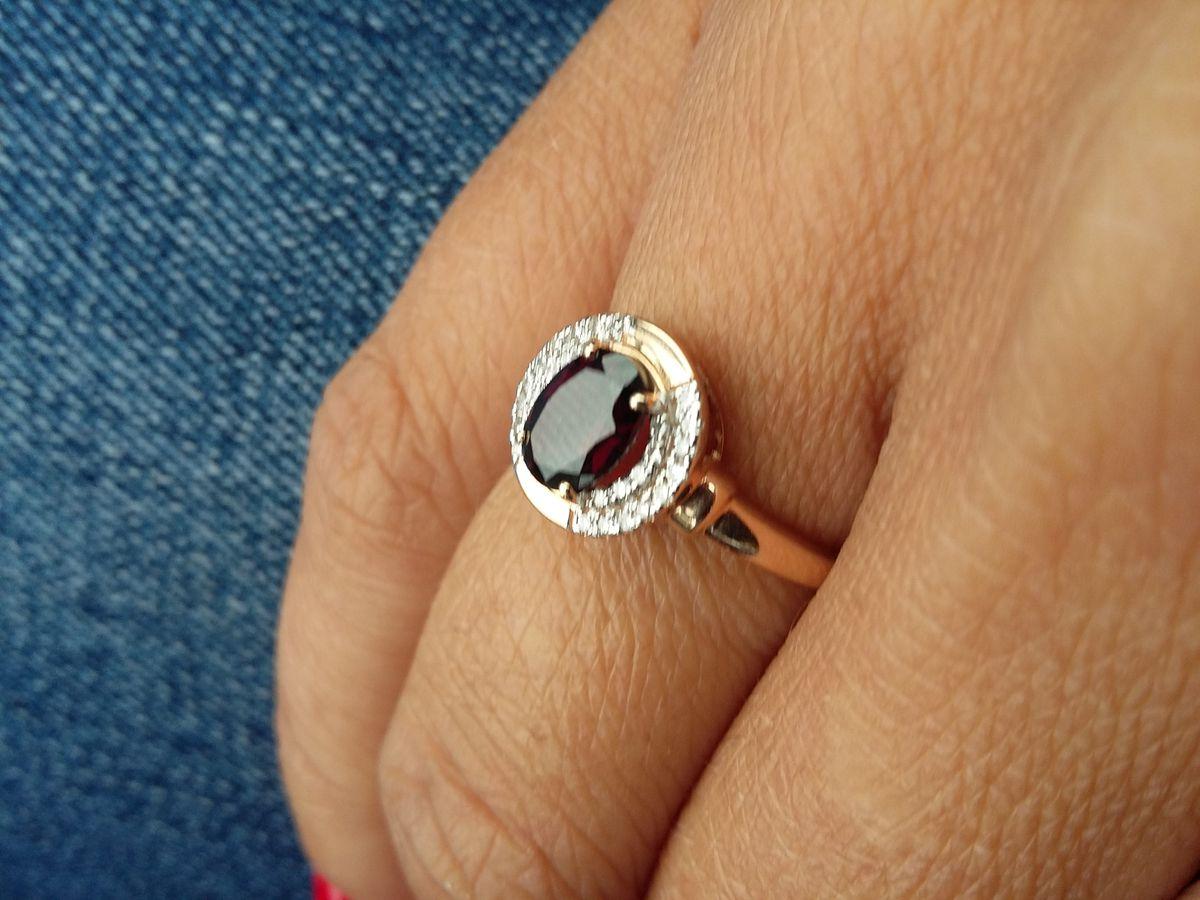 Кольцо с гранатом и бртллиантами просто божественное и роскошное 👍