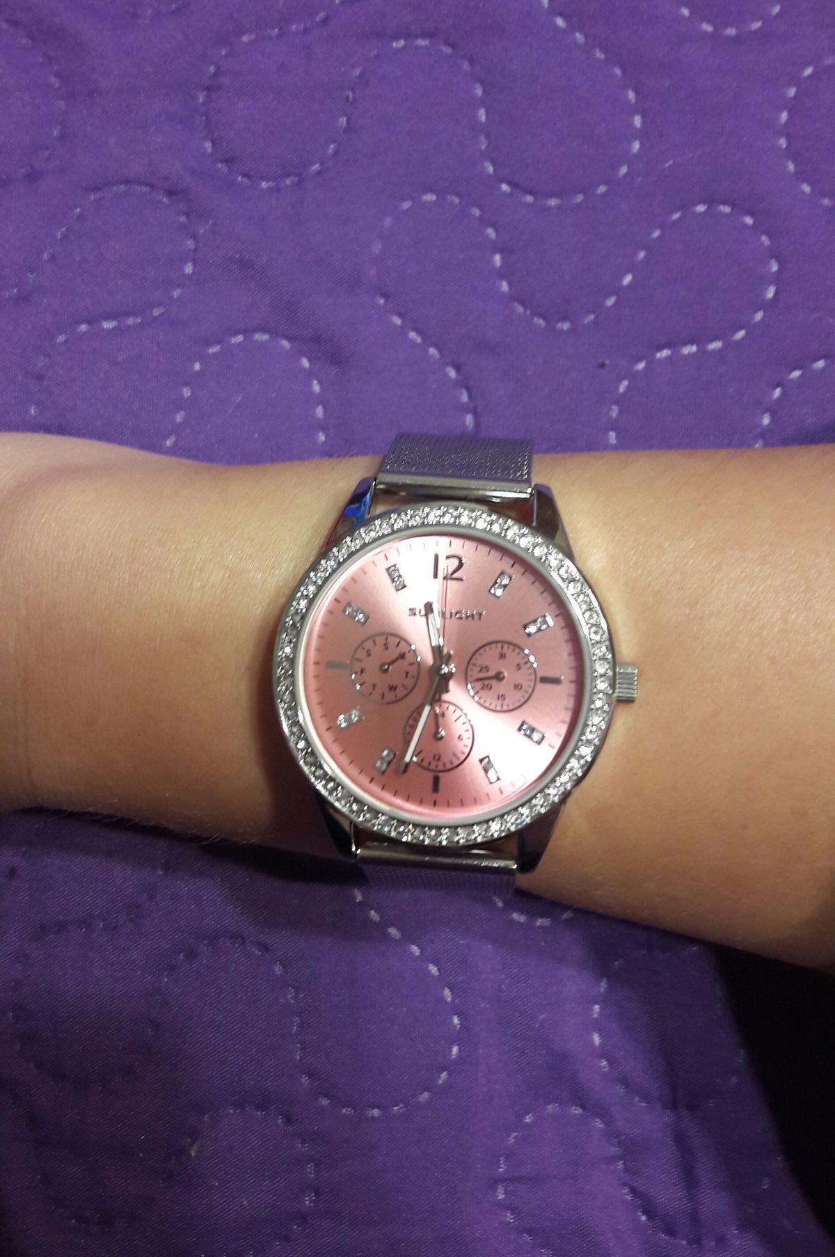 Очаровательные часы