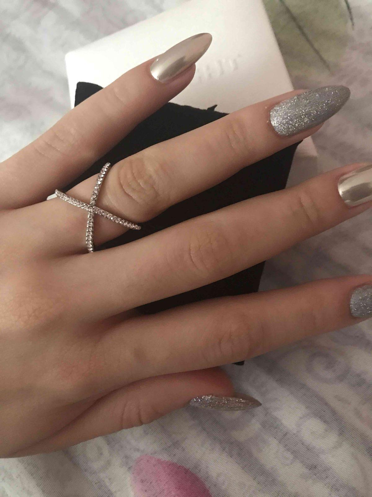 Кольцо серебряноое