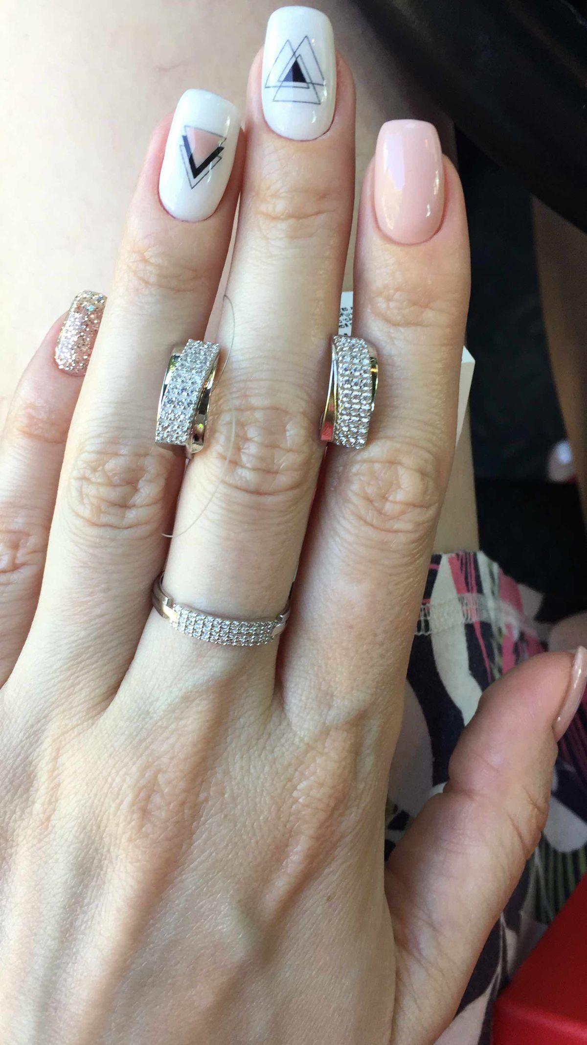 Красивейшие сережки из серебра с камнями