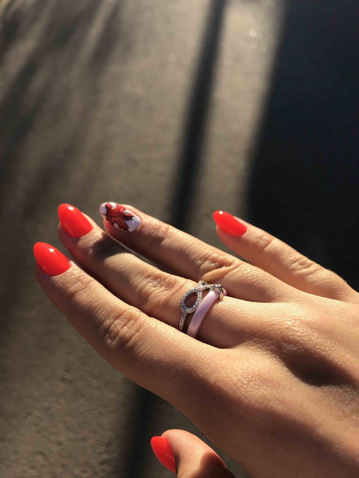 Очень красивое кольцо , приалекающее внимание окружающих