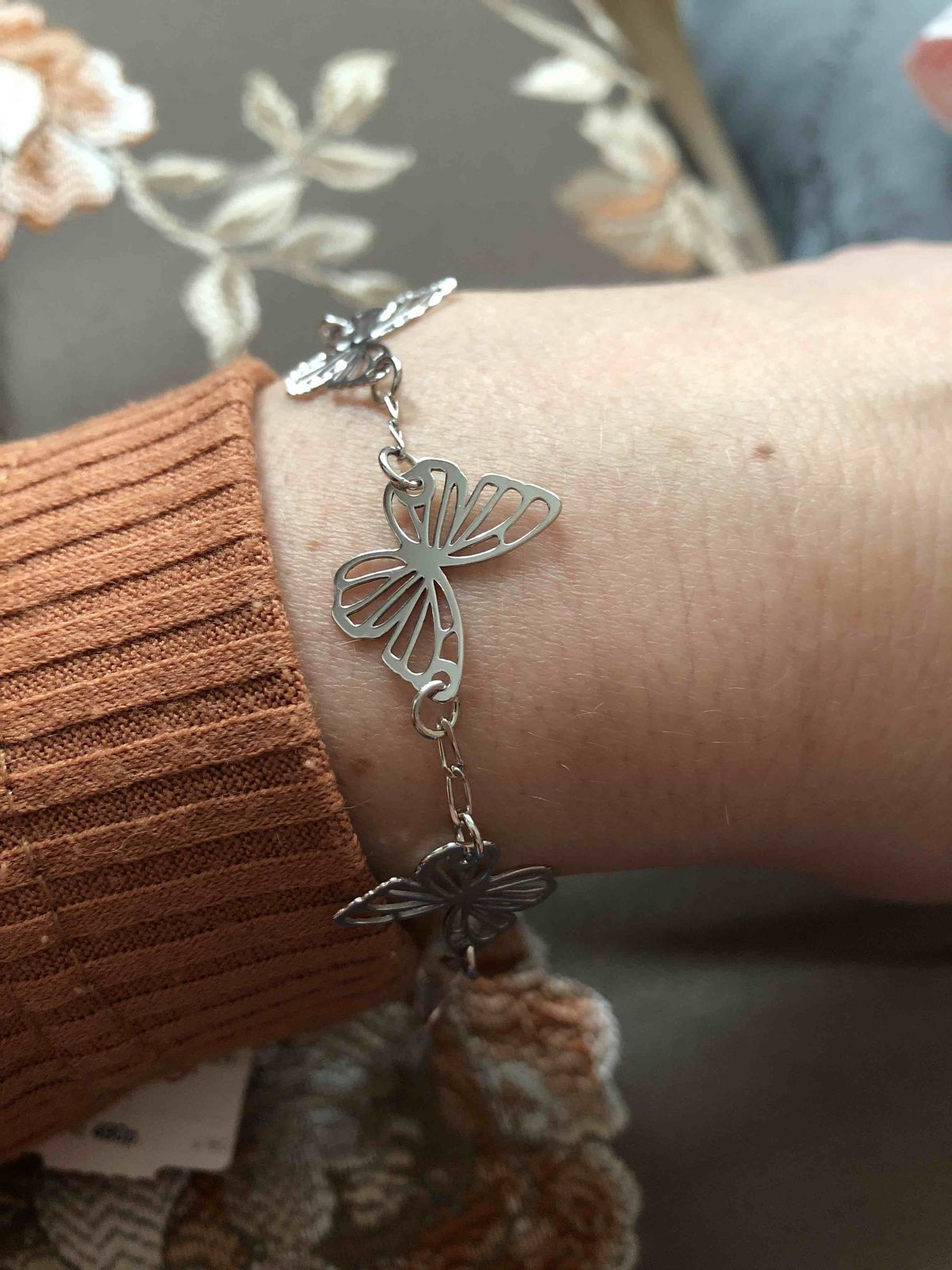 Шикарный комплект  серебро с очаровательными бабочками в современном стиле