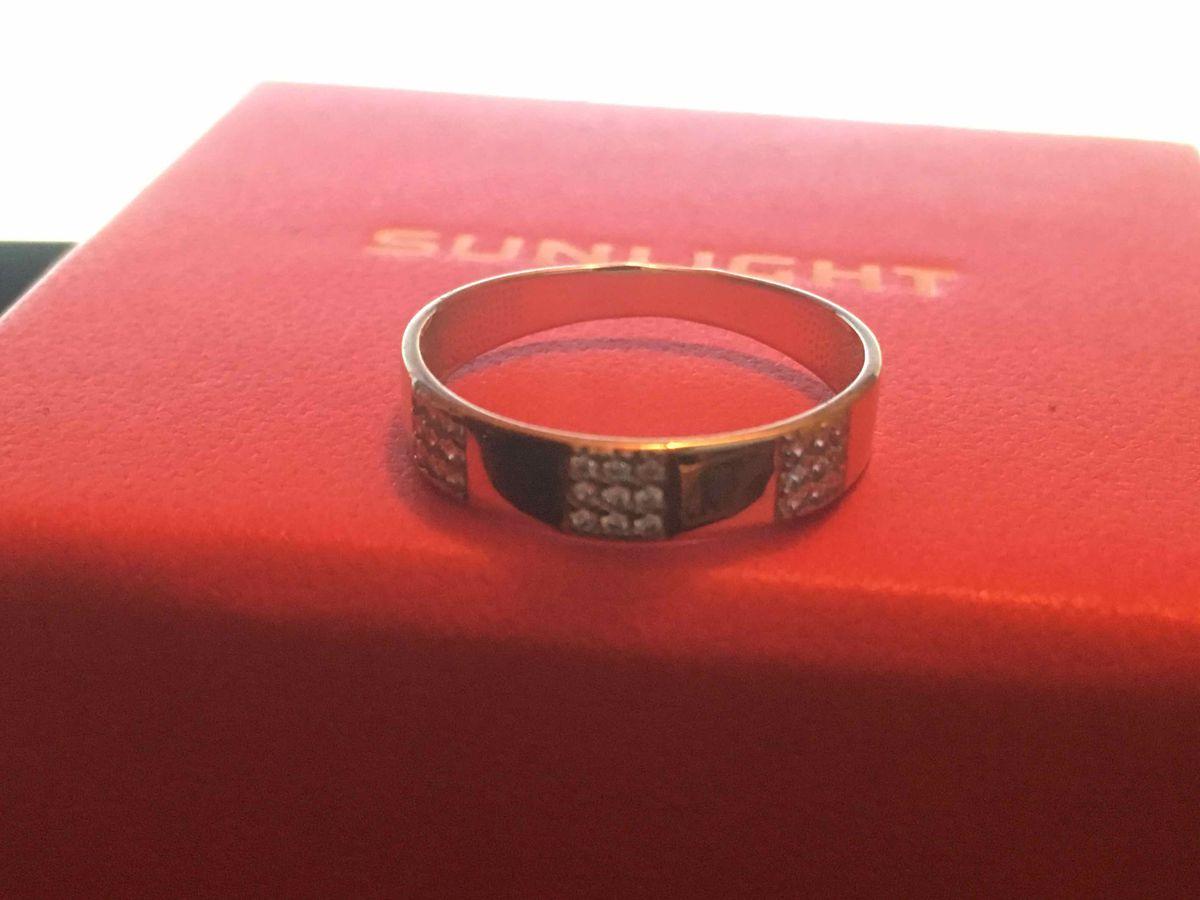Купила кольцо качество супер .очень быстрая доставка ,упаковка отличная