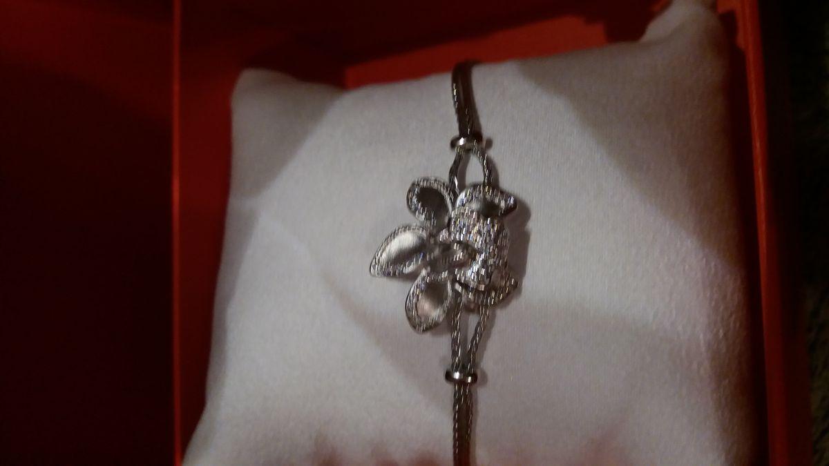 Серебряная орхидея