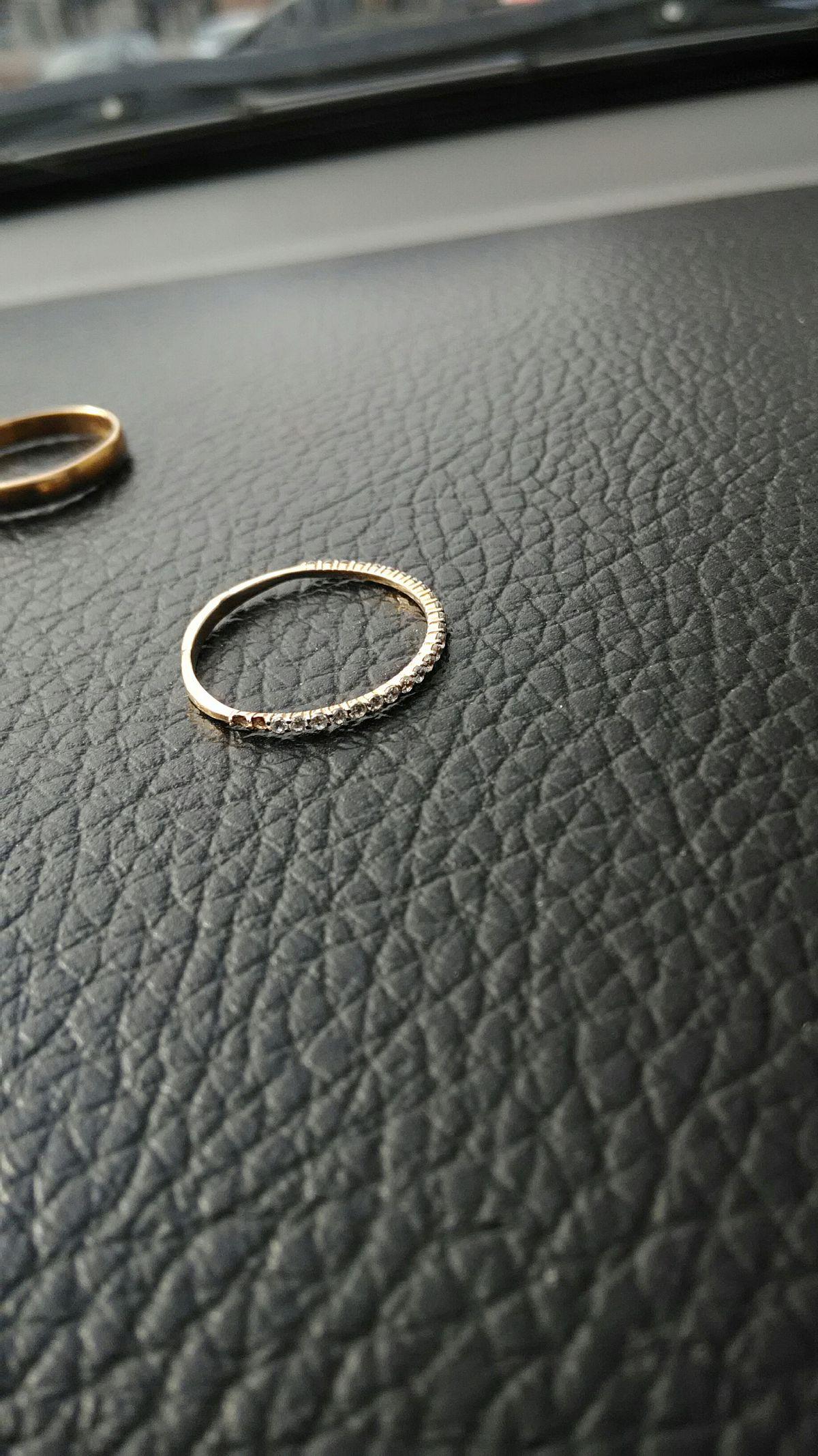 Милое кольцо,но есть одно но...