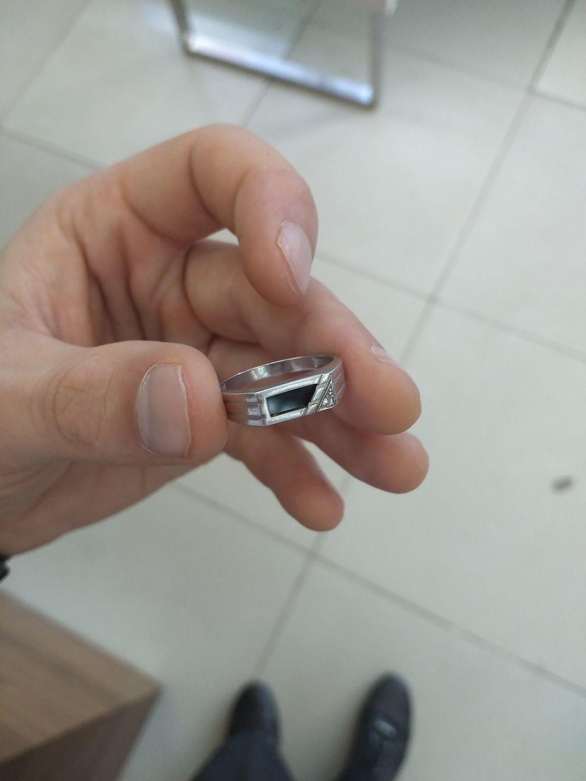 Очень красивый перстень!