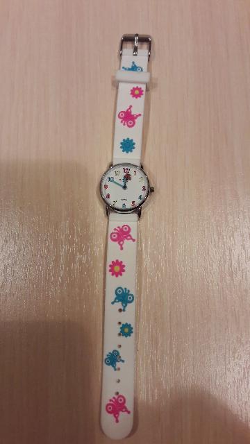 Часы с подарок.