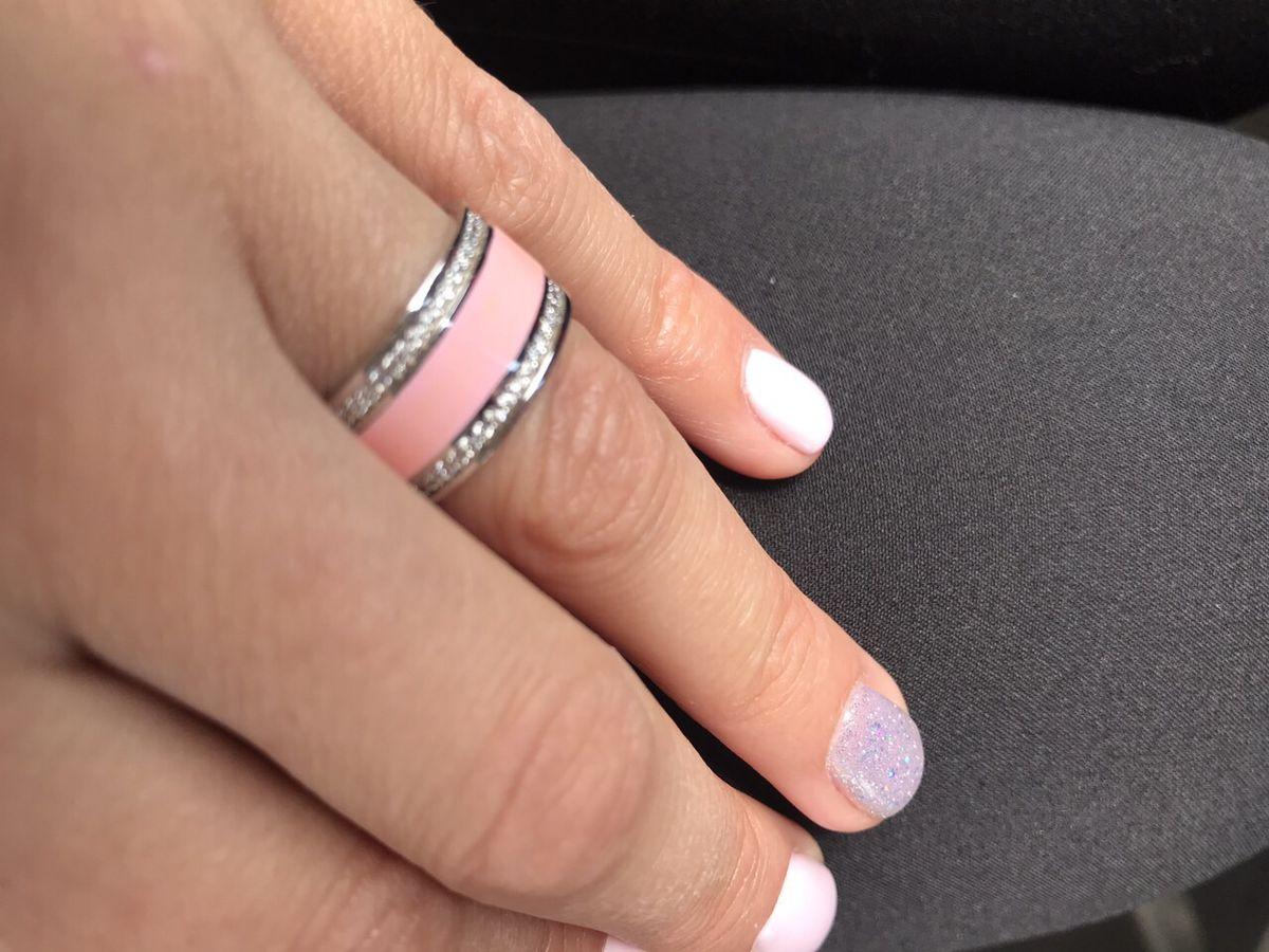 Колечко в серебре с розовой эмалью и фианитами